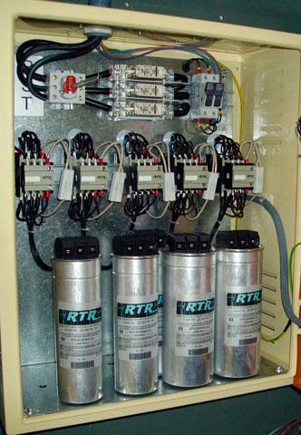 Batería de condensadores para compensación de energía reactiva